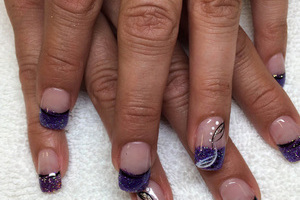 Mauve polished nails combined with glitter accents and line art, produce a stunning style from Binh's
